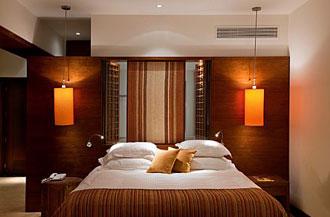 חדר מלון בראשית 3
